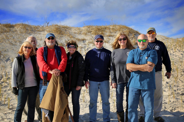 Volunteer IBSP dune grass planters